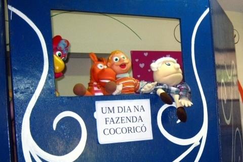 A turma do Cocoricó vai à escola