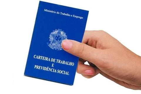 As condições de trabalho dos estudantes trabalhadores da EJA da E.M. Maria Silva Lucas CAIC - Laguna