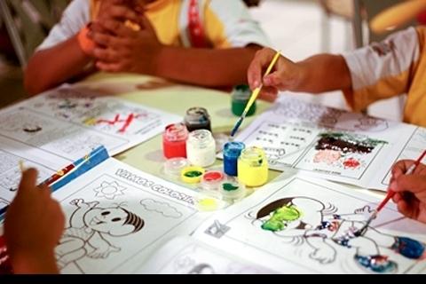 Pesquisa de opinião sobre o curso de pedagogia da FAE - UFMG