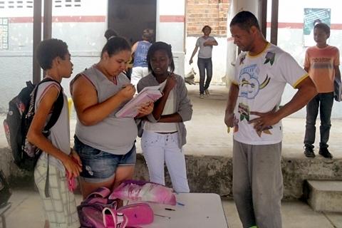 Qual a opinião da comunidade e dos profissionais da saúde sobre a qualidade do atendimento no Hospital Regional de Senho
